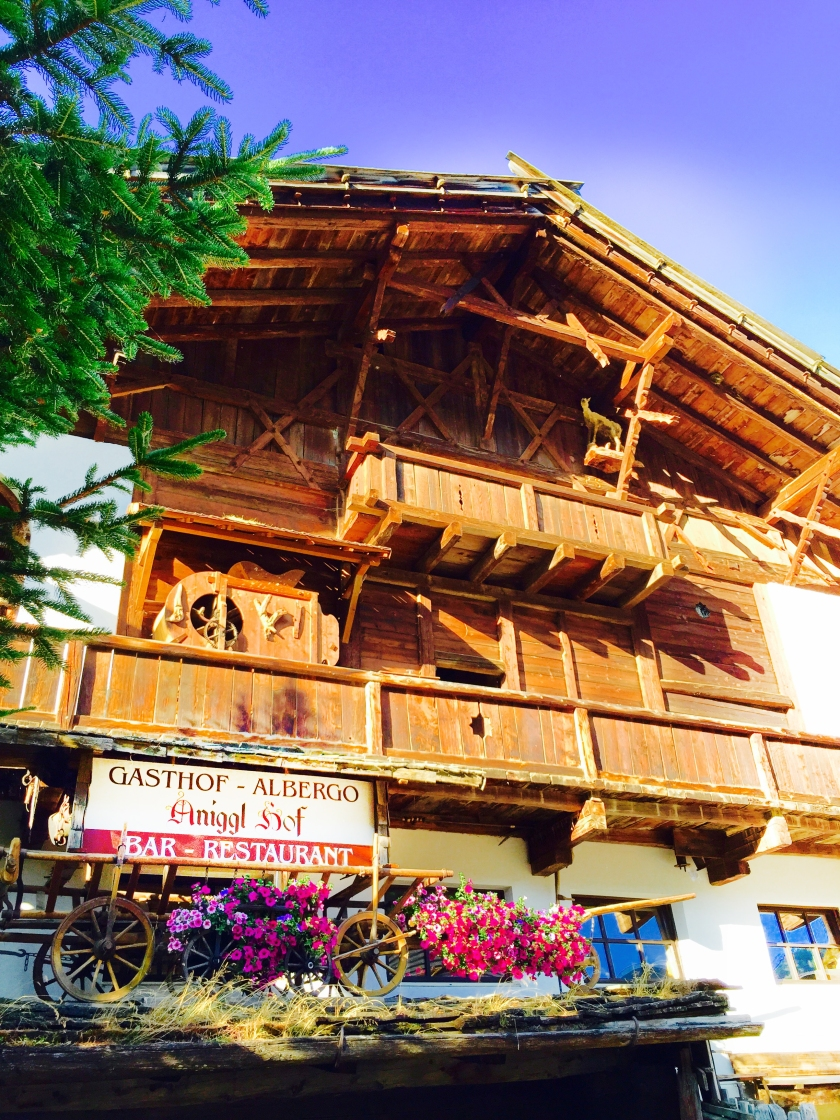 After a busy day on the mountain we stopped for a relaxing dinner at the historic Anigglhof in Schlinig.